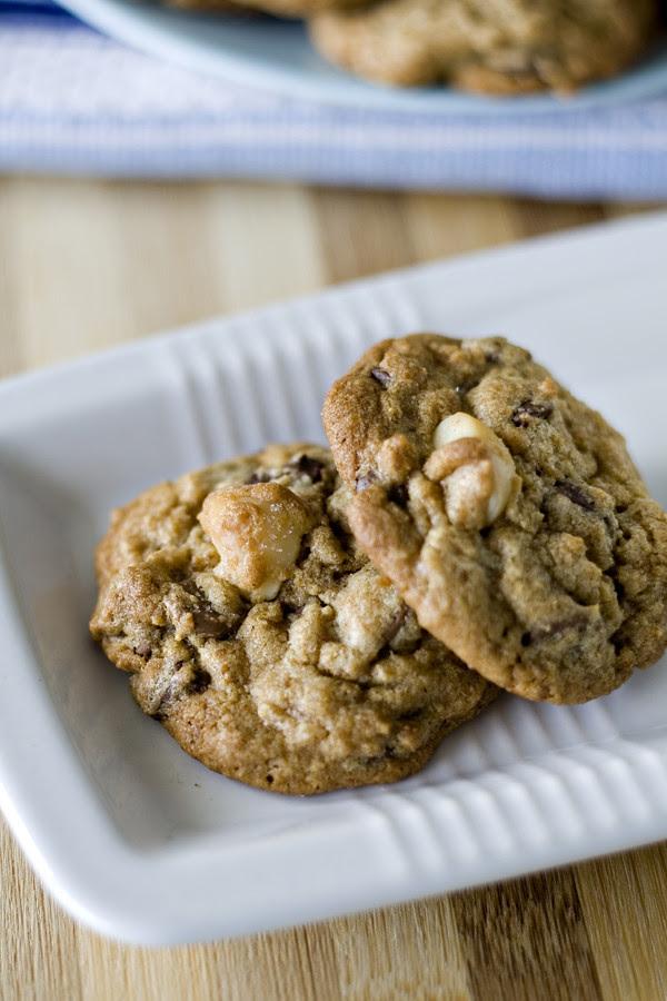 choc chip macadamia cookie 10