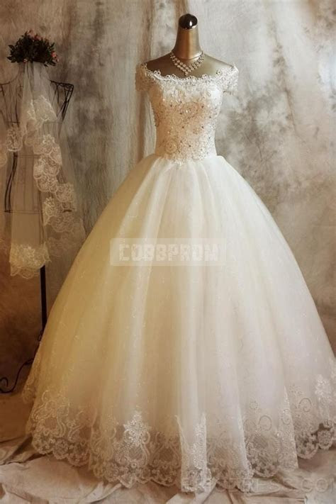 Princess Vintage Off Shoulder Capped Sleeves Ball Gown