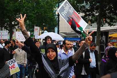 Islamists march in Berlin (Photo: Zach Goldberger)