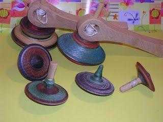 http://arteinlegno.blogspot.it/2012/10/giocattoli-in-legno-le-trottole.html