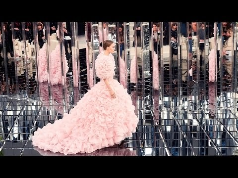 CHANEL in Spring-Summer 2017 Haute Couture Show