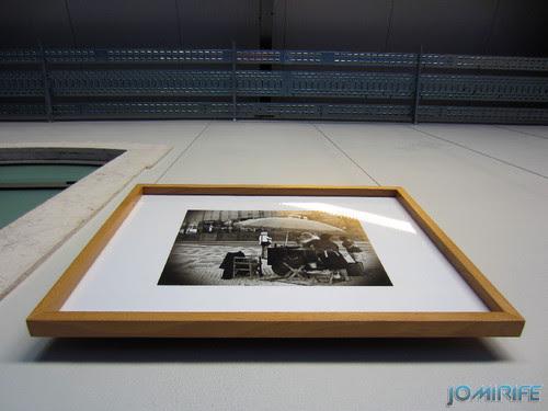 Montagem da exposição colectiva de Fotografia «Figueira da Foz, aqui sou feliz» em comemoração do 131º aniversário da Elevação da Figueira da Foz a Cidade - Obra pendurada