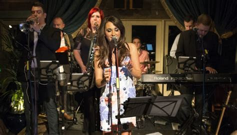 Hire the Best UK Party Wedding Band, Livewire   AMV Live