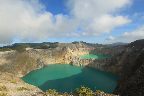 kelimutu lake by floresexotic