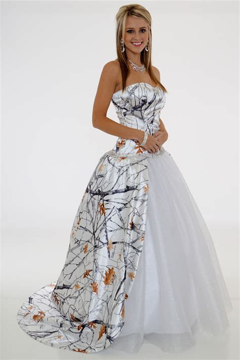 20 Camo Wedding Dresses Ideas You Must Love   MagMent