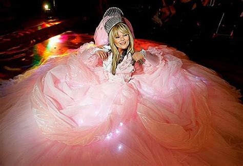 Kate Moss to have big fat gypsy wedding dress   Mirror Online