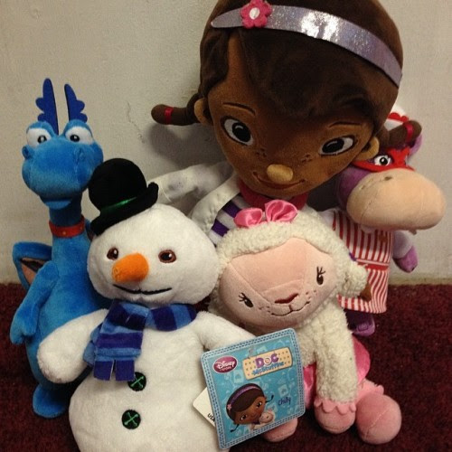 We got the whole gang together! #disney #disneyjunior #docmcstuffins #lambie #stuffy #chilly #halliehippo