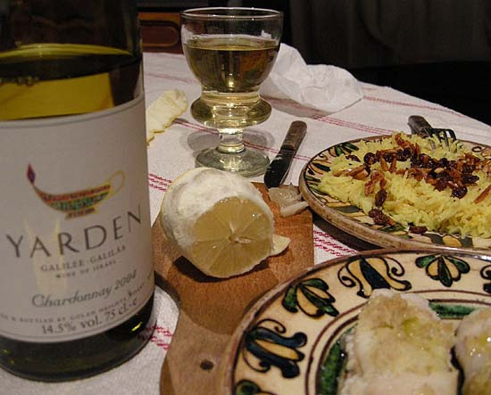 Golden apples from Mallorca and golden Yarden wine from the Golan plateau