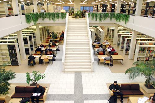 Tampereen teknillinen yliopisto - kirjas by TampereUniTech, on Flickr