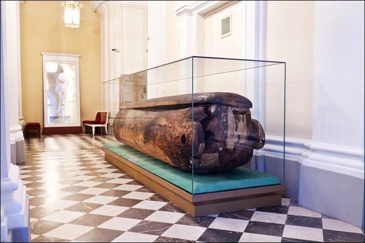 Larch sarcophagus