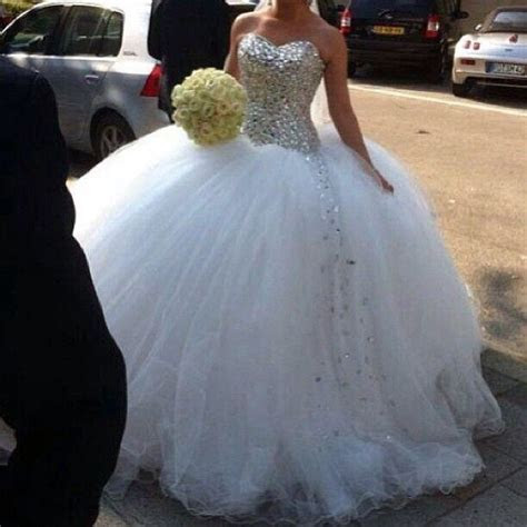 Tulle and sparkly wedding dress!   My dream wedding