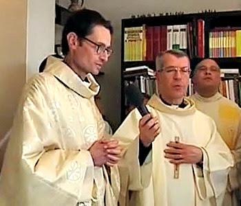 Salvatore Mellone, malato terminale, viene ordinato sacerdote e bendice Papa Francesco
