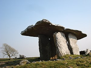English: Poulnabrone Dolmen (The Burren, Co. C...