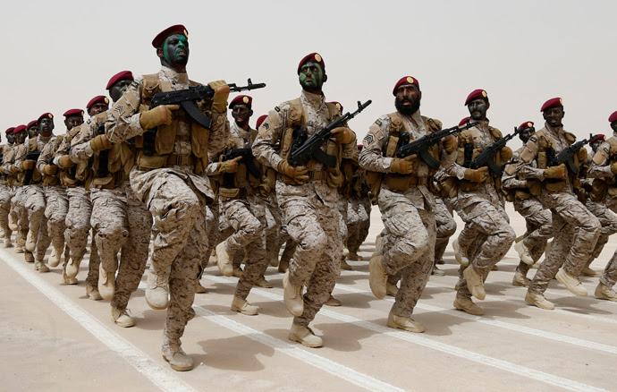 Saudi soldiers march during Abdullah's Sword military drill in Hafar Al-Batin, near the border with Kuwait April 29, 2014 (Reuters / Faisal Al Nasser)