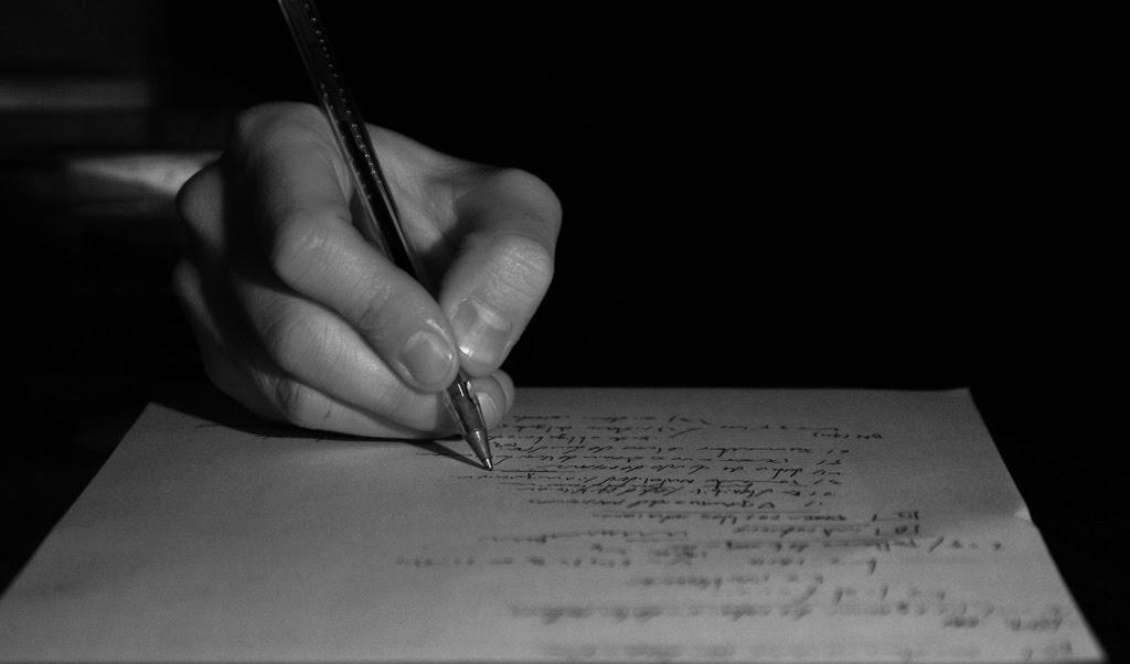 Resultado de imagen para poeta escribiendo una carta