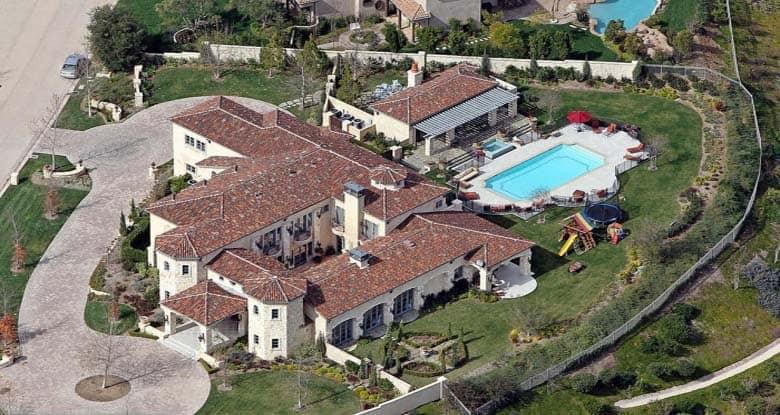 A comissão para venda da casa da cantora Britney Spears é estimada em R$ 5,1 milhões