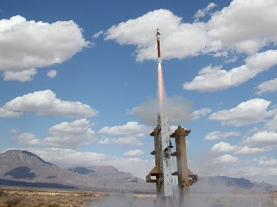 Lockheed_Martin_successfully_launched_a_Miniature_Hit_to_Kill_MHTK_interceptor_640_001