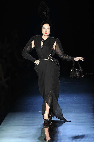 Dita-Von-Teese-at-the-Jea-001