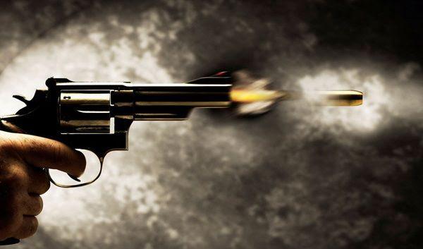 Resultado de imagem para ladrões trocam tiros PM