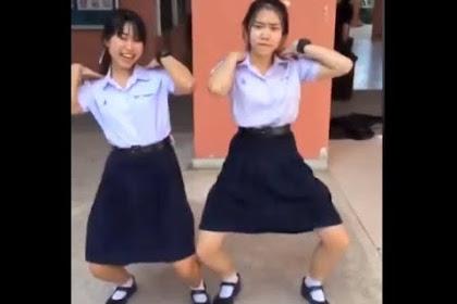 Lisa Blackpink Thai Dress