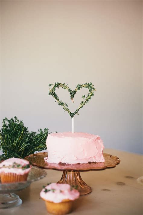 GOLDMINE JOURNAL: DIY // Valentine's Day Cake Topper