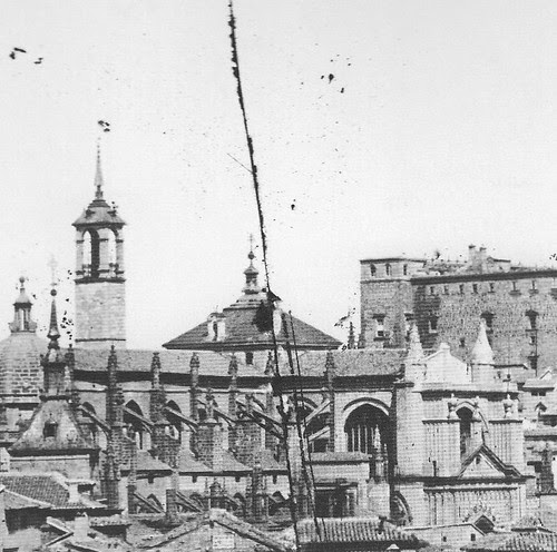 Cimborrio de la Catedral de Toledo y torre del Reloj hacia 1887. Foto Casiano Alguacil