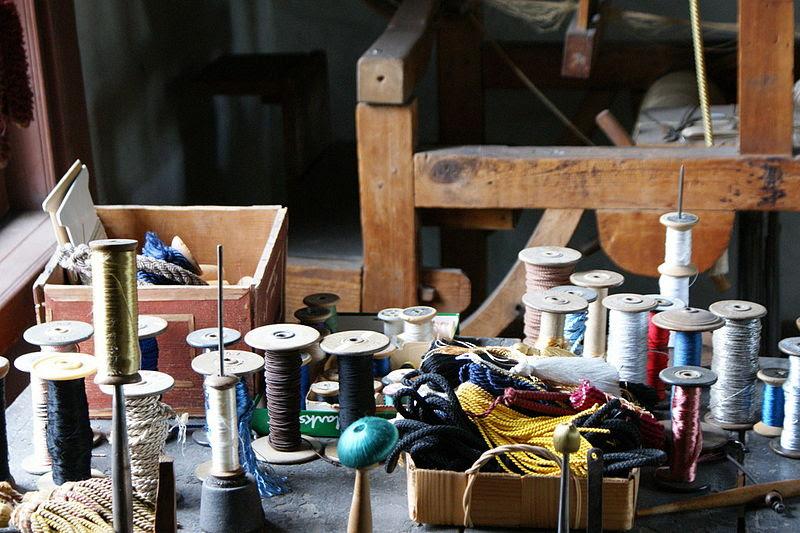 File:Turku handicraft museum threads.jpg
