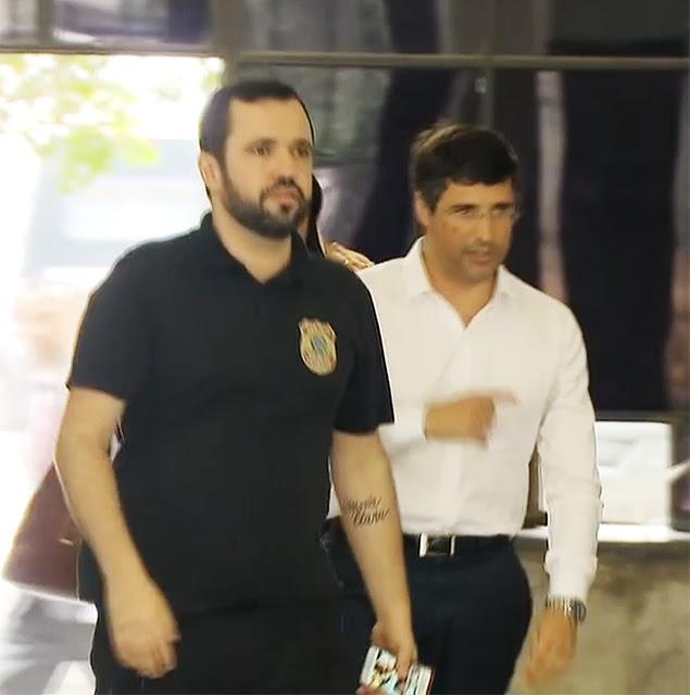 Banqueiro André Esteves é preso pela Polícia Federal no Rio de JaneiroEle foi detido na manhã desta quarta-feira (25) na casa da família.Delcídio do Amaral (PT-MS), líder do governo no Senado, também foi preso