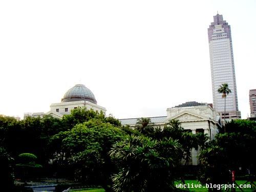 台灣博物館與新光三越大樓