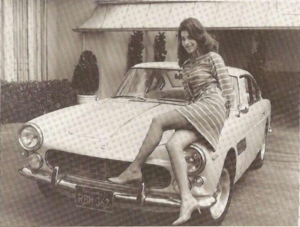 A história da socialite que foi enterrada dentro de uma de suas Ferraris 01