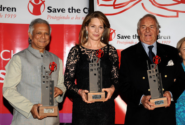 "Dominique Lapierre Nobel Peace Prize 2006 Winner Mohammed Yunus of Bangladesh (L) Queen Noor of Jordan (C) and writer Dominique Lapierre (R)  attend Save The Children 2008 Award at the ""Circulo Bellas Artes"" on October 6, 2008 in Madrid, Spain"