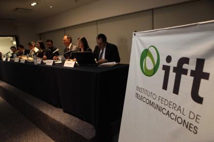 Sesión en el IFT. Foto: Miguel Dimayuga