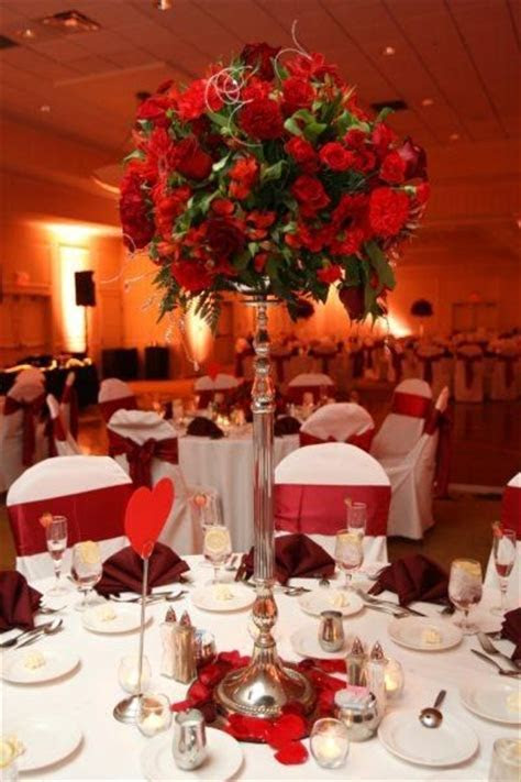 Roses for a Valentine's Day wedding table setting