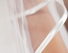 duas camadas véus capela de casamento com borda terminada