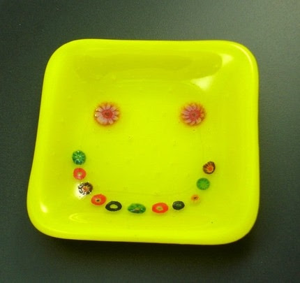 photo of smiley face glass dish