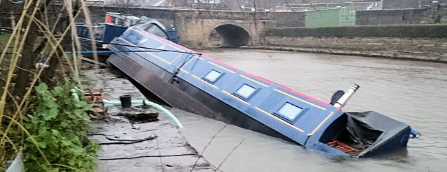 Capsized boat at Elland Wharf