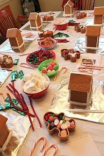 Making gingerbread houses party