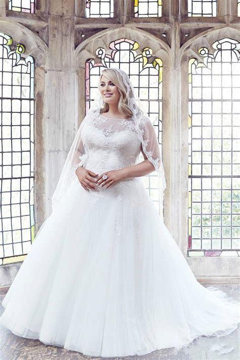 40 Stylish Wedding Dresses for Plus Size Women 2019   Plus