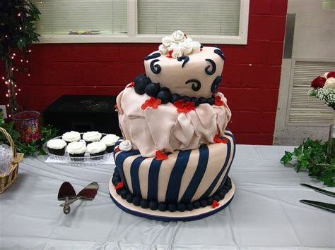 lopsided wedding cake   A Wedding Cake Blog
