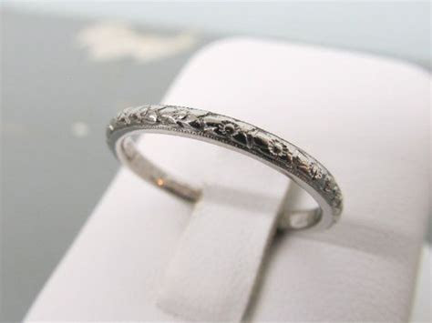 Orange Blossom Ring   18k White Gold Wedding Band