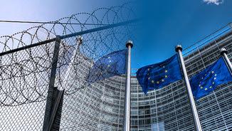 Brusel·les i Atenes, dues realitats part d'un mateix problema