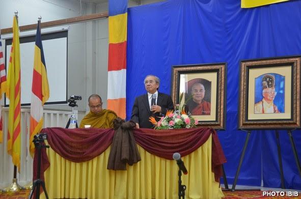 Cư sĩ Võ Văn Ái tuyên đọc Quyết Nghị tố cáo nhà cầm quyền Cộng sản đàn áp Phật giáo trong nước