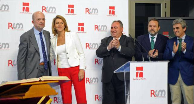 Nacho Villa y Cospedal en un acto de Castilla La Mancha Televisión