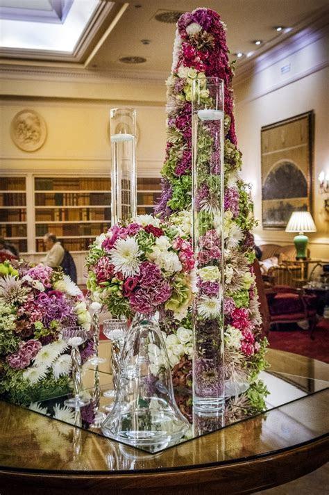 Elegante y espectacular decoración con arreglos florales