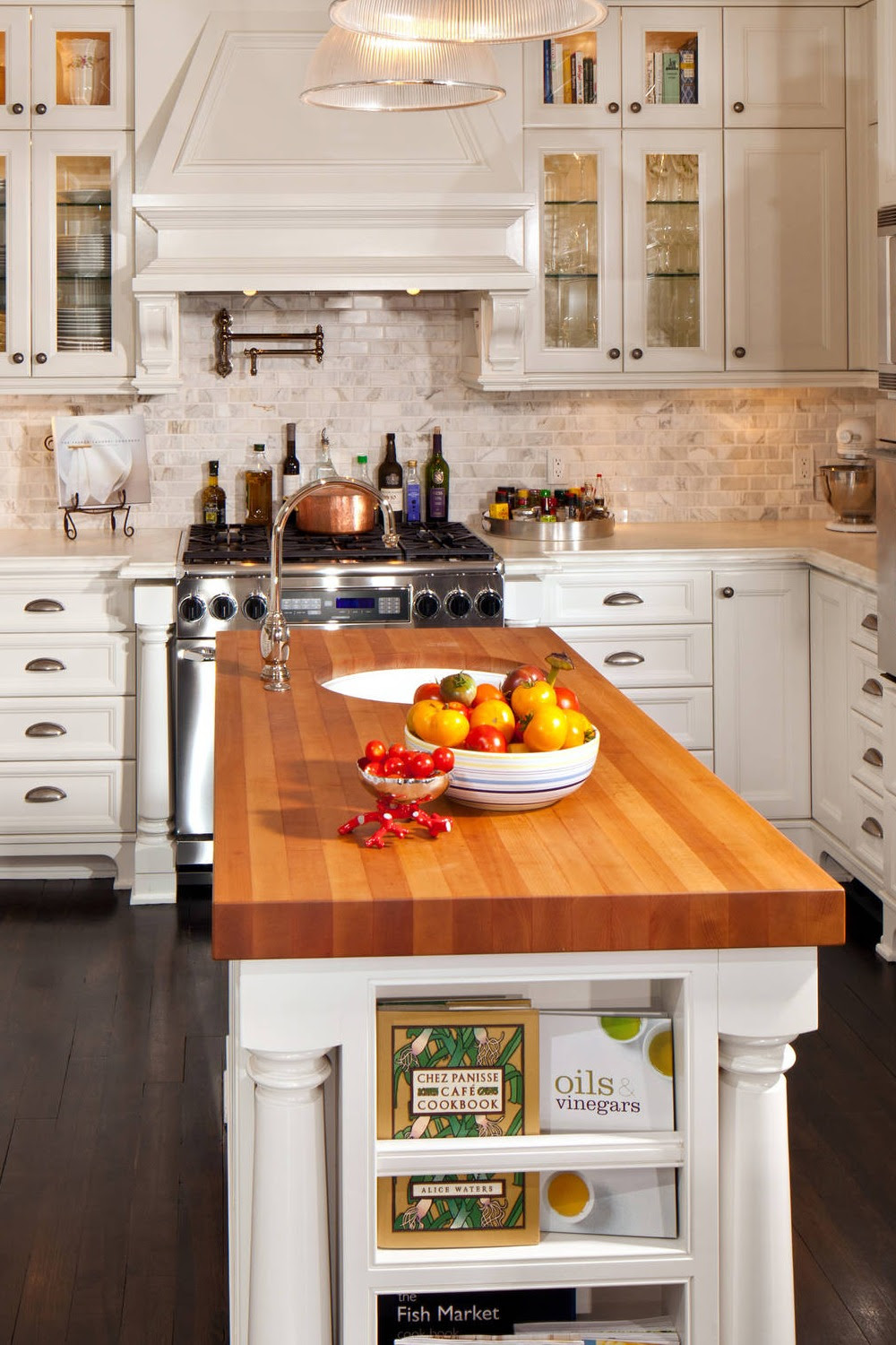 48 Backsplash Ideas for White Countertops and White Cabinets