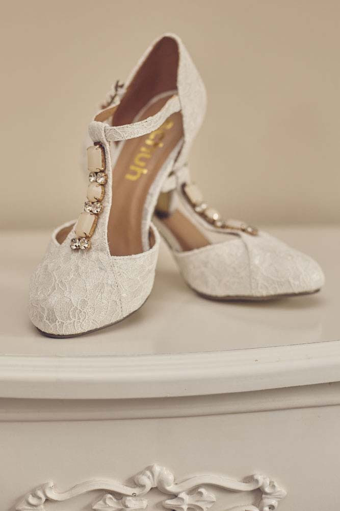 Bride's shoes - www.helloromance.co.uk