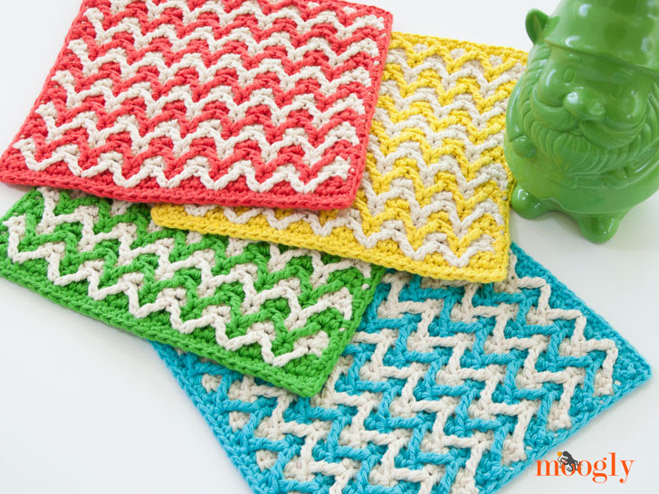 Bright Chevron Dishcloths - free crochet pattern on Mooglyblog.com!