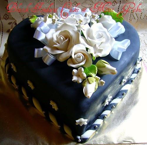 "NOSTALGIA ""BLACK FONDANT CAKE""..."
