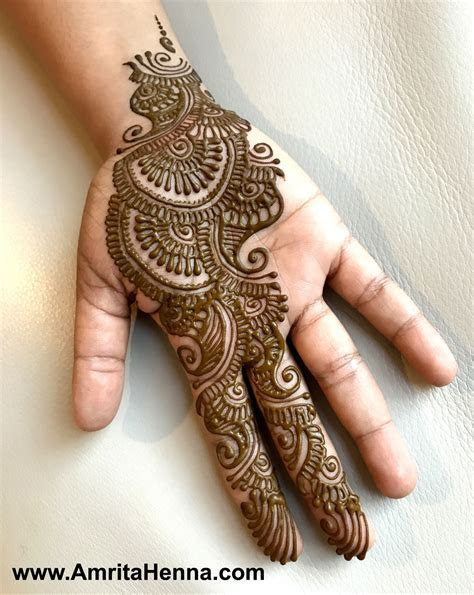 TOP 10 MUST TRY HENNA DESIGNS FOR YOUR SISTER'S WEDDING