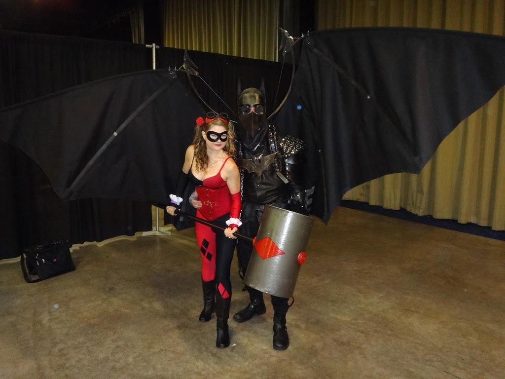 boston comic con 2013 DC batman harley quinn cosplay